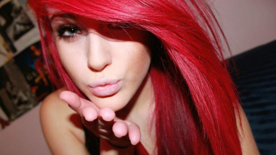 FACE - girl model redheads kiss wallpaper