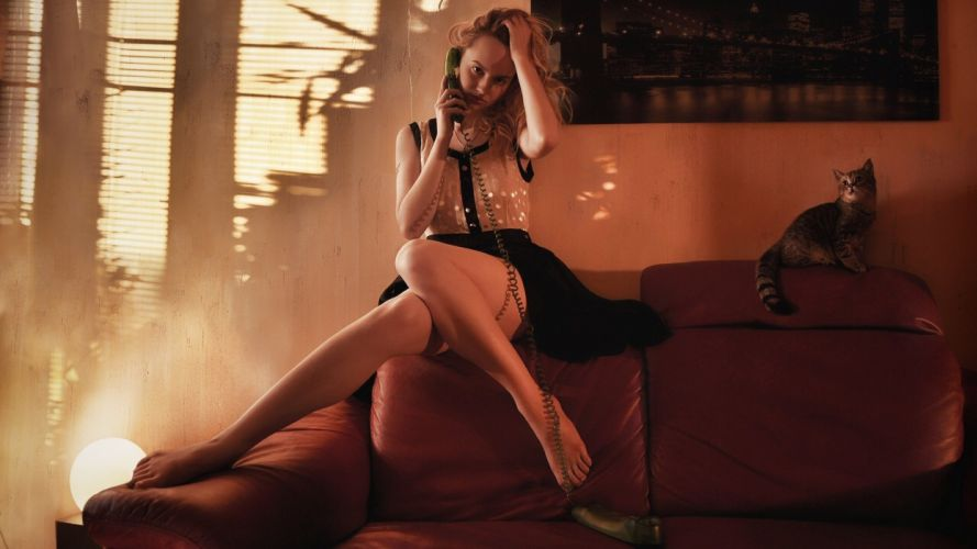 SENSUALITY - girl blonde legs phone couch cat wallpaper