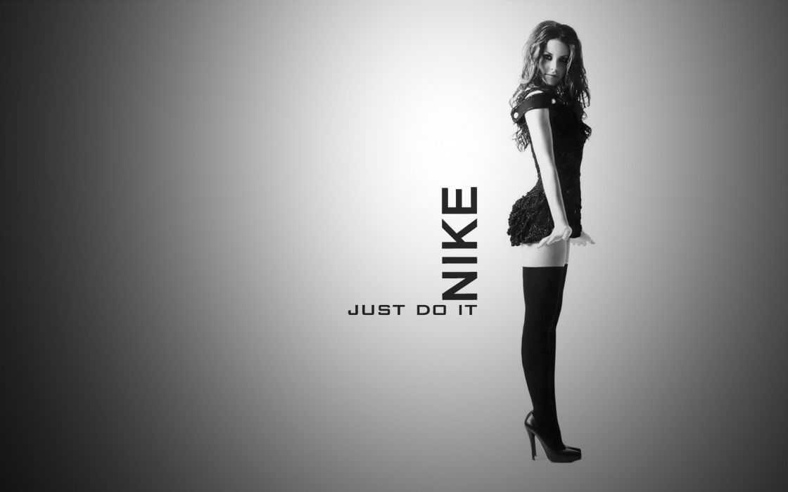 Evangeline Lilly aei Nike Just Do it wallpaper
