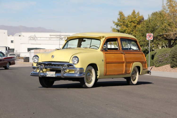 1951 Ford Woodie Station Wagon Classic USA 5184x3456-01 wallpaper