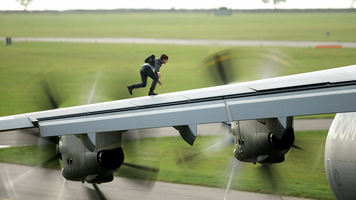 Mission Impossible Rogue Nation action spy fighting cruise series 1mirn thriller wallpaper