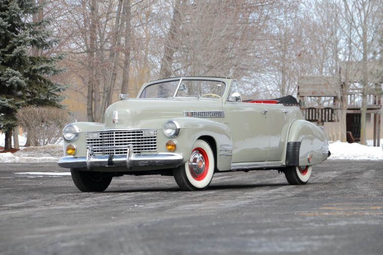1941 Cadillac Series 62 Convertible Classic Old Retro USA 4096x2731-01 wallpaper