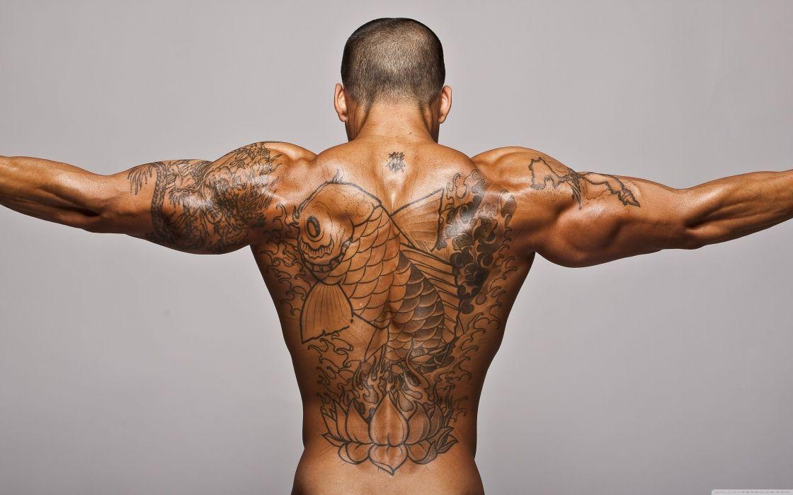 hombre espalda tatuada wallpaper