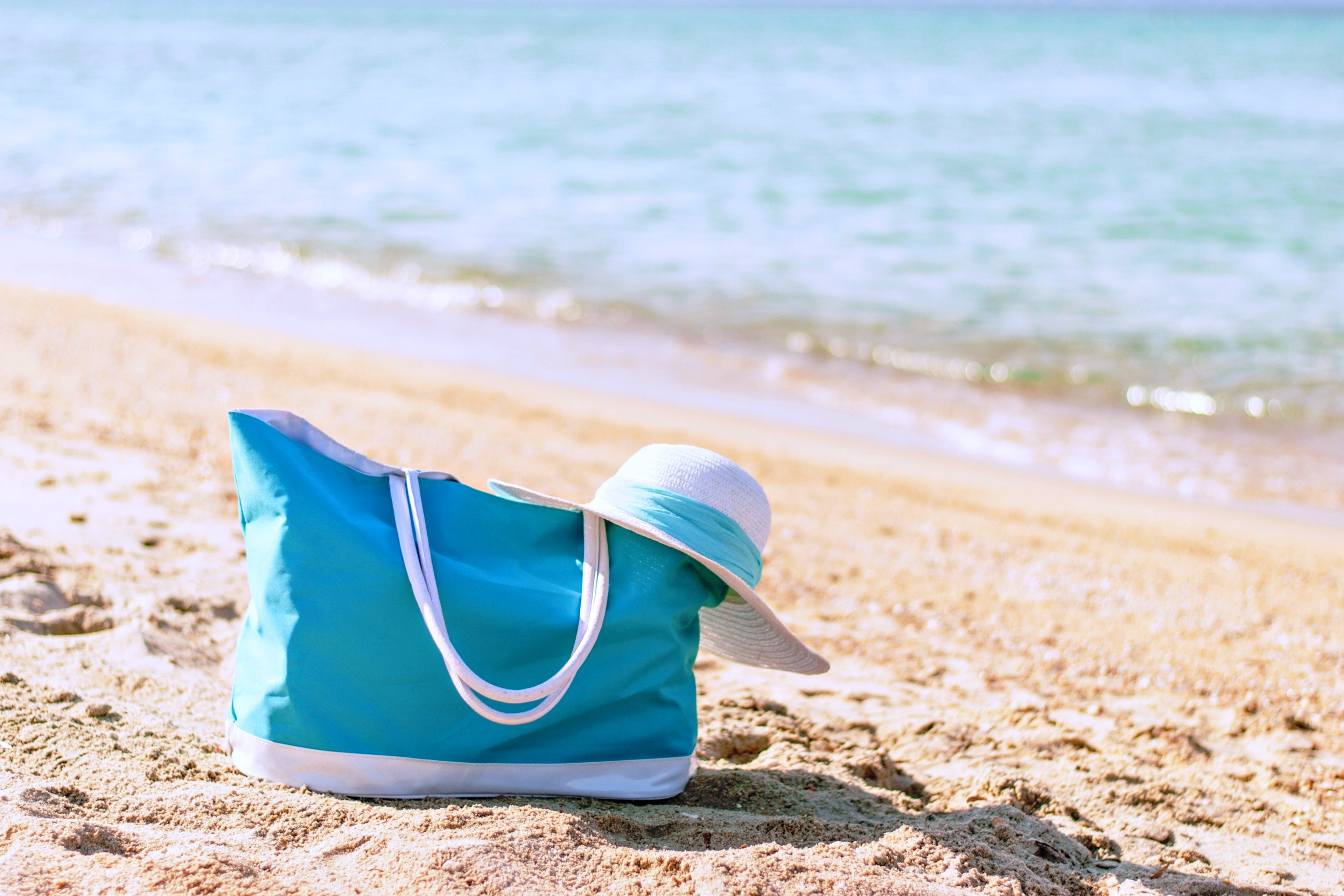 Summer Vacation Beach Bag Hat Sea Girls Woman Fun Joy Happy Nice Lovely Couples Holiday Weekend Wallpaper