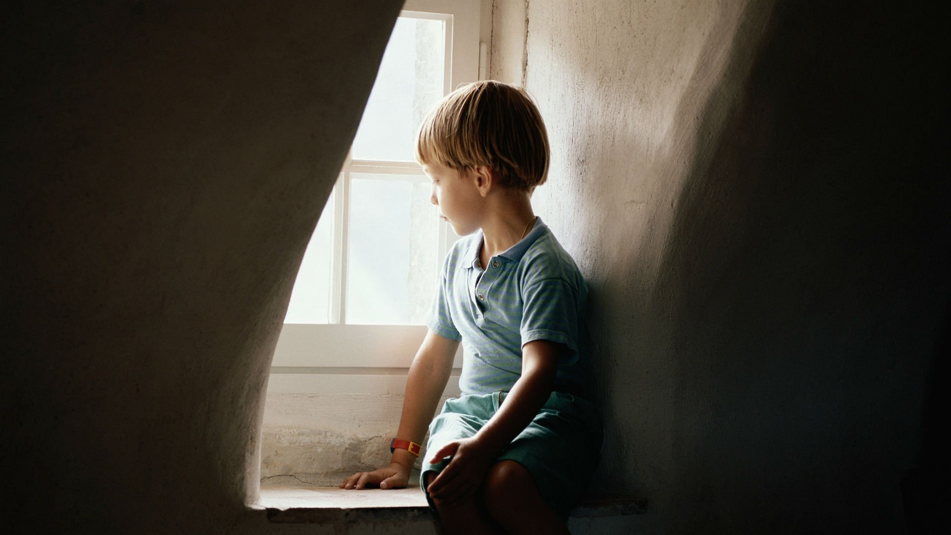 Lonely Mood Sad Alone Sadness Emotion People Loneliness Solitude Window Child Children Boy Wallpaper