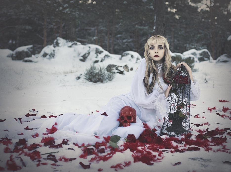 Girl chica en un bosque de nieve wallpaper