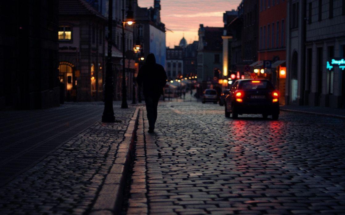 Una hermosa ciudad durante la noche wallpaper