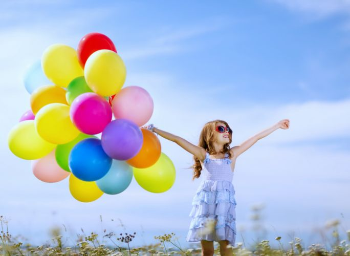 kids children childhood games playing joy fun happy life nature landscapes earth little colors sky sunny spring balloon wallpaper