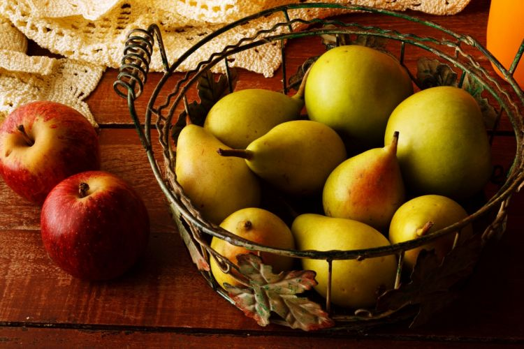 Pear apple table poverty housewife happiness contentment fruits wallpaper