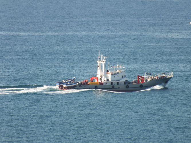 ship slipstream sea ocean water blue wallpaper