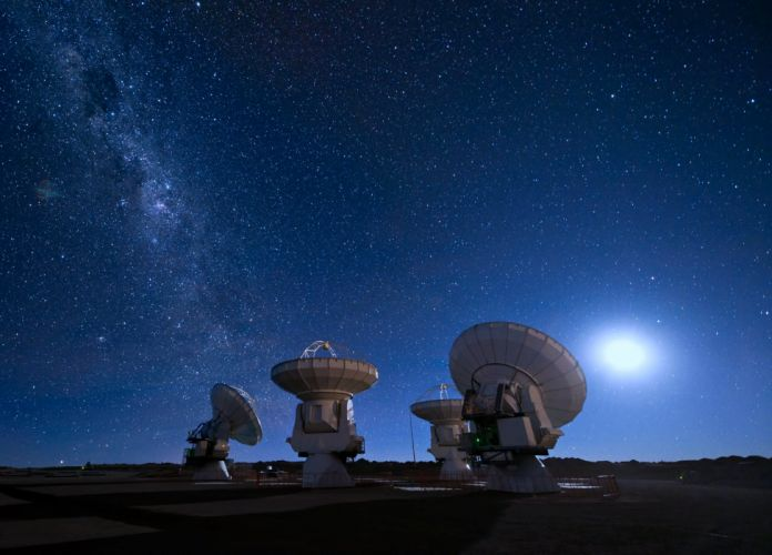 radioteleskop radar stars dish moon milky way radio antenna astronomy satellites frequency parabolic electromagnetic interference sources space probes observatories light pollution optical telescopes landscapes earth UFO aliens wallpaper