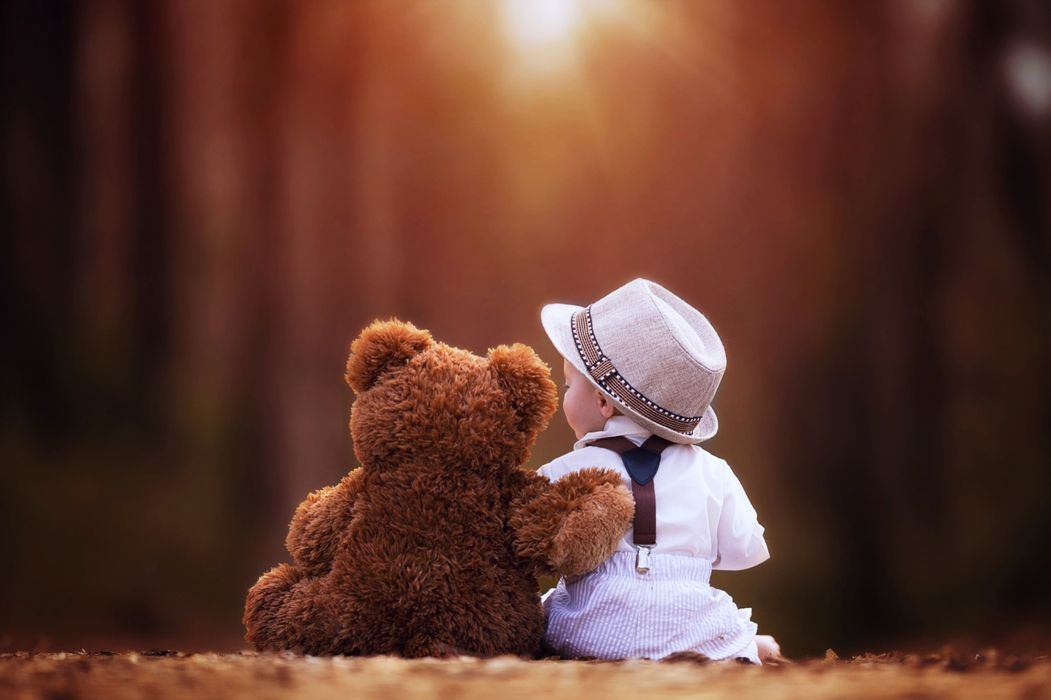 children kids childhood hat teddy bear friends happy fun joy landscapes nature life family wallpaper