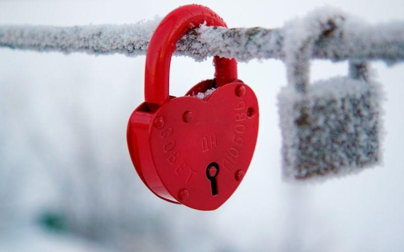 red castle heart winter heart mood wallpaper