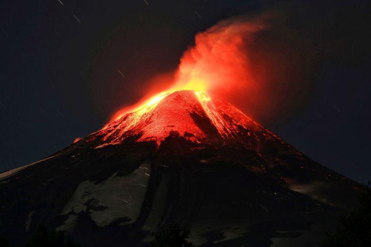 volcano mountain lava nature landscape mountains fire wallpaper