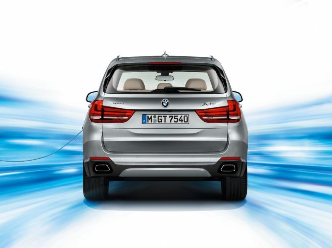 BMW X5 xDrive40e Plugs-in electric suv cars 2016 wallpaper