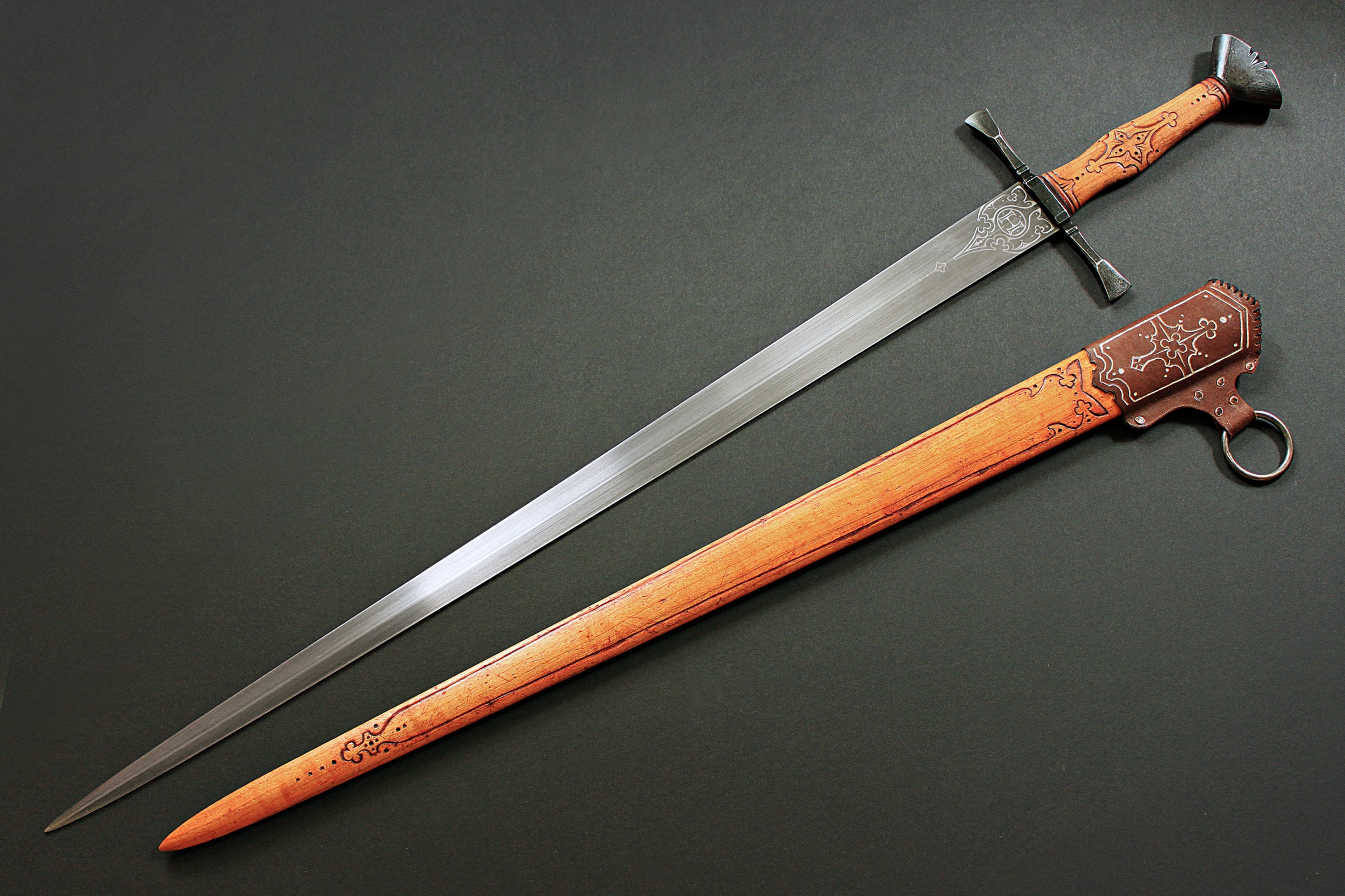Mech Rukoyatka Stal Fon Weapon Sword Heritage Old Carvings Metal