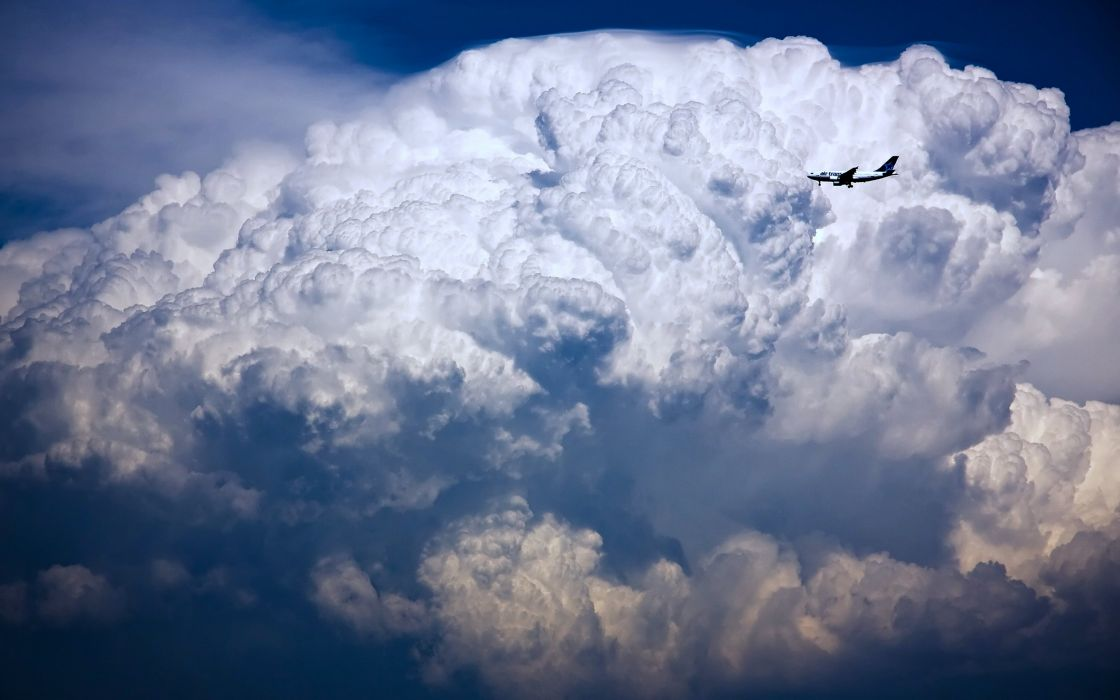 grozovaya tucha samolet nebo plane sky flights clouds wallpaper