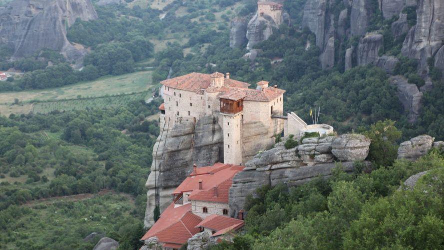 castle mountain side wallpaper
