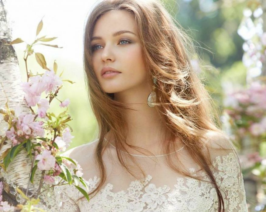 fashion girl blonde beautiful model spring flower tree smile blue eyes wallpaper