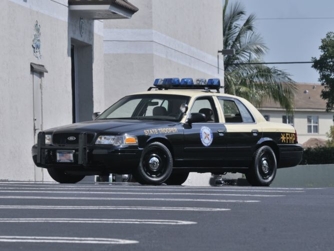 2003 Ford Crown Victoria Police Car Muscle USA 4200x3150-01 wallpaper
