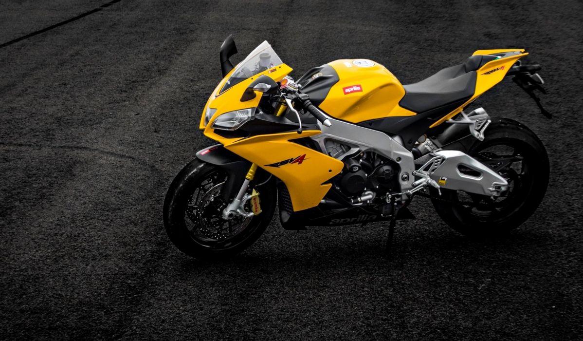 aprilia rsv4 yellow bike Aprilia motorcycles supersport race motors speed wallpaper