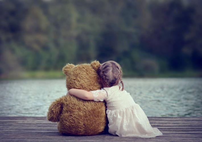 kids children childhood teddy bear friendship friends lakes hug girl little watching wallpaper