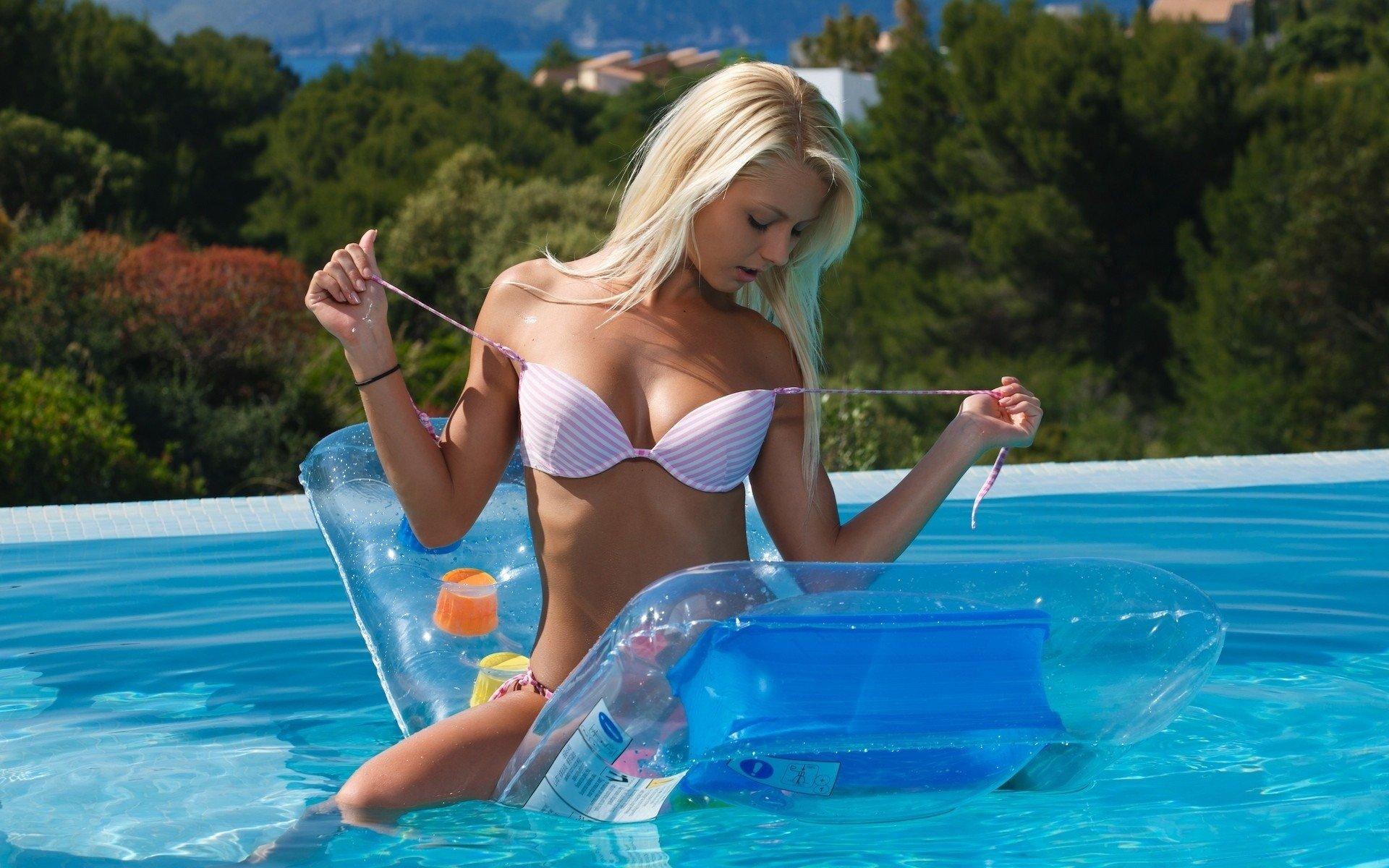 Фото красивых девушек блондинок в бикини 6 фотография