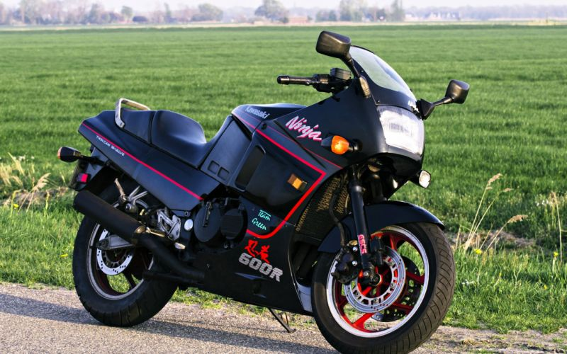 kawasaki ninja 600r motorcycles fields grass old classic nature landscapes speed motors wallpaper