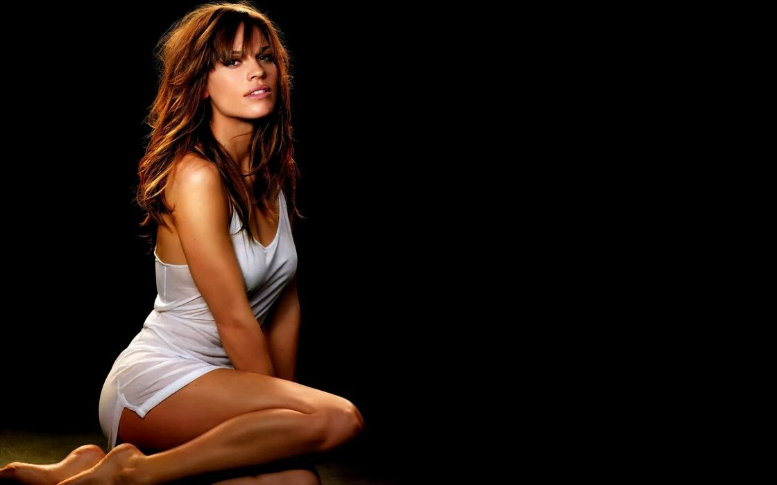 SENSUALITY - Hilary Swank girl brunette legs t-shirt wallpaper
