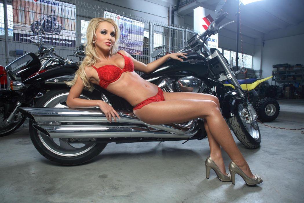 WOMEN AND MACHINES - Saua Unui girl blonde sensuality motorcycle sitting wallpaper