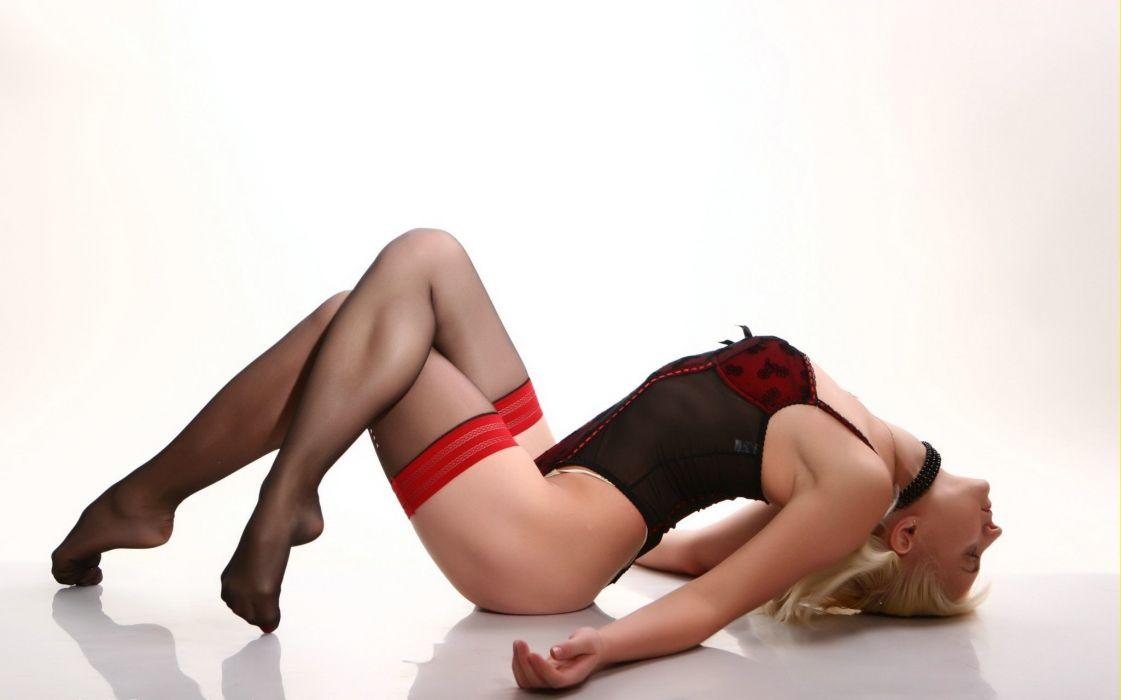 SENSUALITY - girl blonde stockings legs foot lying pose wallpaper