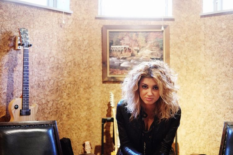 TORI KELLY pop singer soul r-b wallpaper