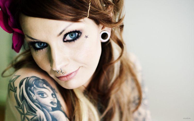 chica tatuaje piercing wallpaper