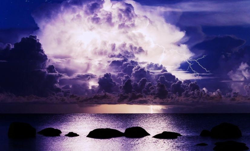 sea ocean lightnings clouds sky evening thunders storms weather nature landscapes earth wallpaper