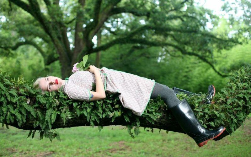Scarlett Johansson girl blonde leaves tree trunk wallpaper