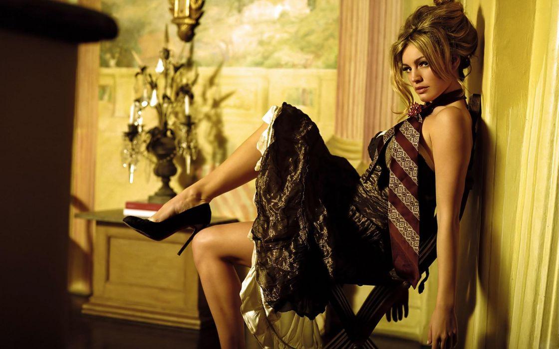 SENSUALITY - Kelly Brook girl blonde legs high heels wallpaper