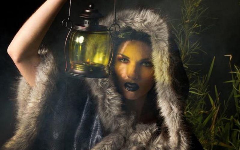 girl flashlight dark wallpaper
