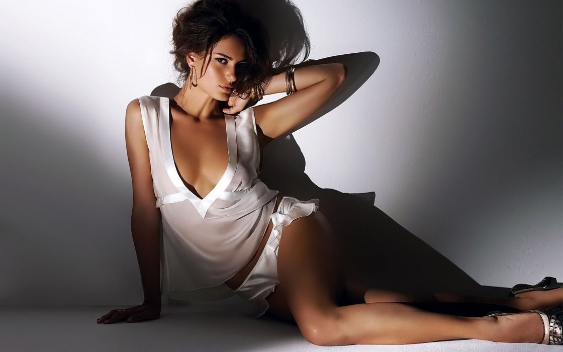 SENSUALITY - Catrinel Menghia girl brunette neckline underwear wallpaper