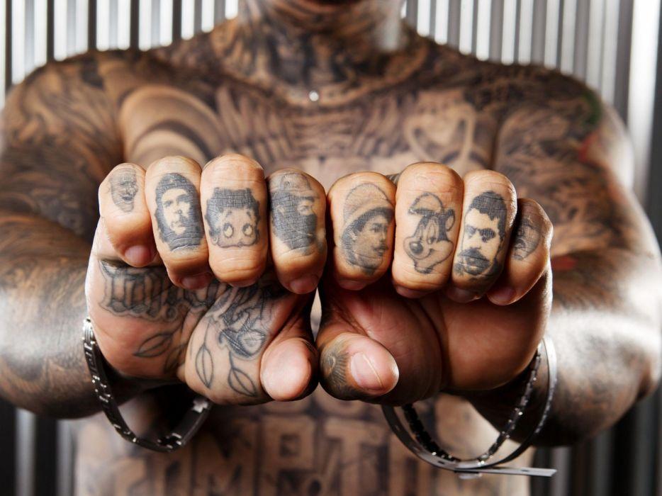 hombre tatusdo dedos wallpaper