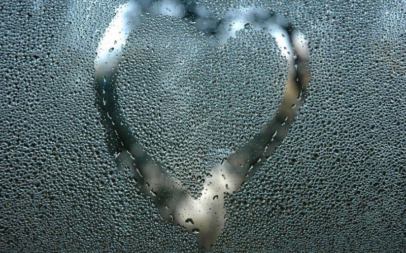 Drop Heart Glass wallpaper