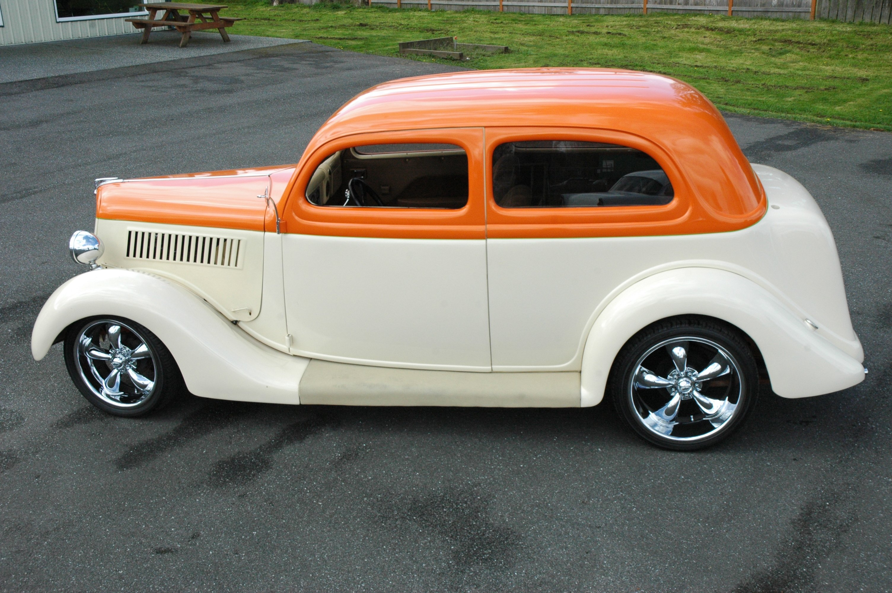 Ford door humpback pictures for 1935 ford 2 door sedan for sale