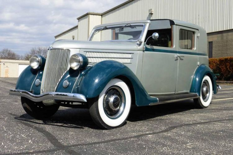 1936 Cunningham Ford Town Car Classic Old Retro Vintage USA 1440x960-01 wallpaper