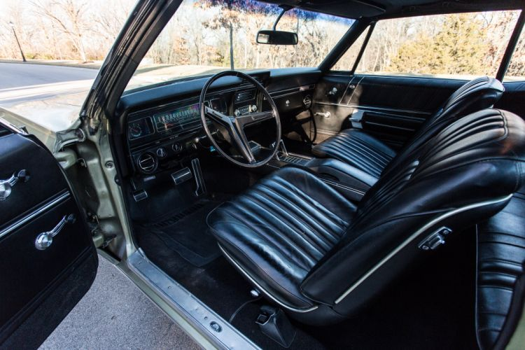 1968 Chevrolet Impala SS 327 Sedan Two Door Classic Old Original USA 5760x3840-07 wallpaper