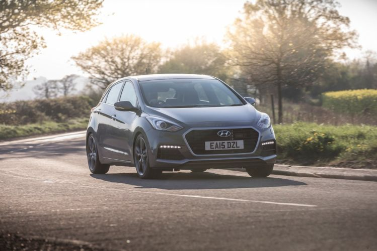 Hyundai i30 Turbo 5-door UK-spec cars 2015 wallpaper