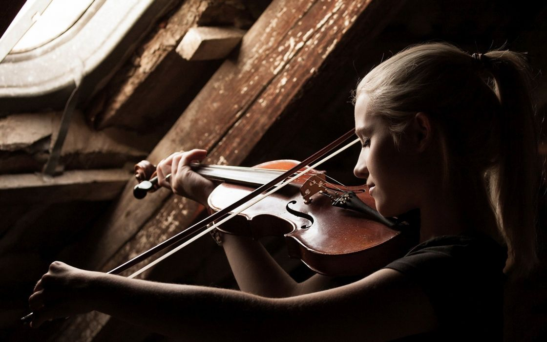 woman-playing-the-violin-music girl wallpaper