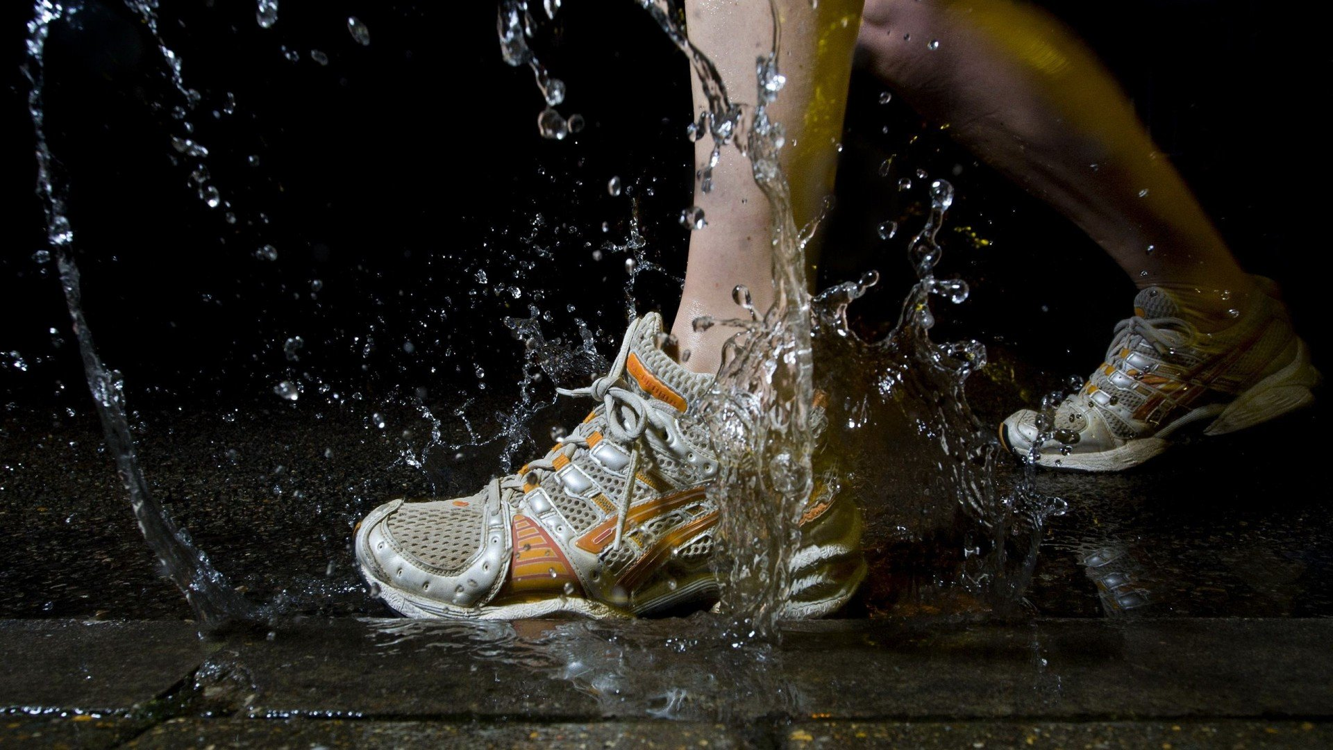 Running Shoe Splash