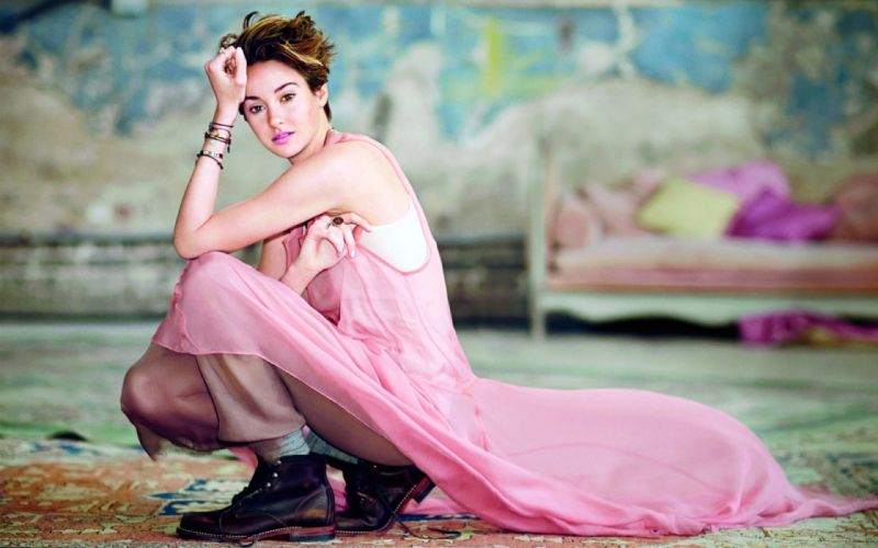 Shailene Woodley beautiful girl short hair actress wallpaper