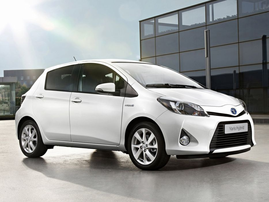 toyota yaris blanco wallpaper