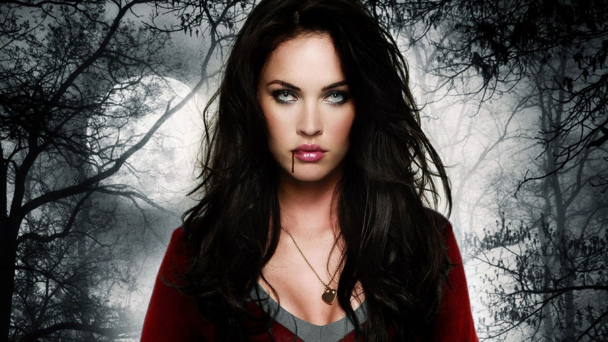 megan-fox-gothic-vampire-looks wallpaper