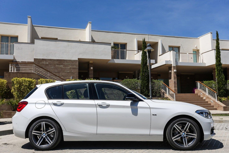bmw 116d sport line 5 door f20 2015 cars white wallpaper. Black Bedroom Furniture Sets. Home Design Ideas